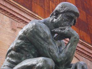 800px-El_pensador-Rodin-Caixaforum-3